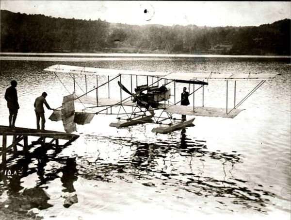 aterman aircraft at the edge of a Lake. Waldo Dean Waterman (June 16, 1894 - December 8, 1976) was an inventor and aviation pioneer from San Diego, California. His most notable contributions to aviation were the first tailless monoplane (the precurs