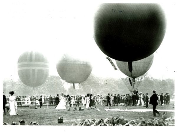 balloons at Ranelagh airshow July 1907