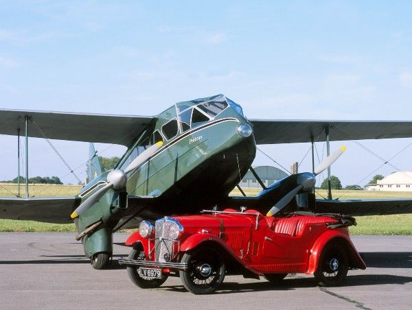 DH89 Dragon Rapide. loasby g aeml dh89 dragon rapide and 1934 morris special