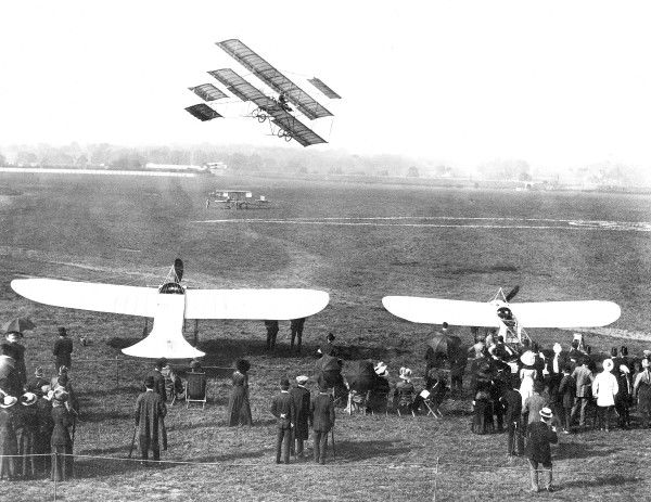 Hendon demonstration 1911 (c) Flight
