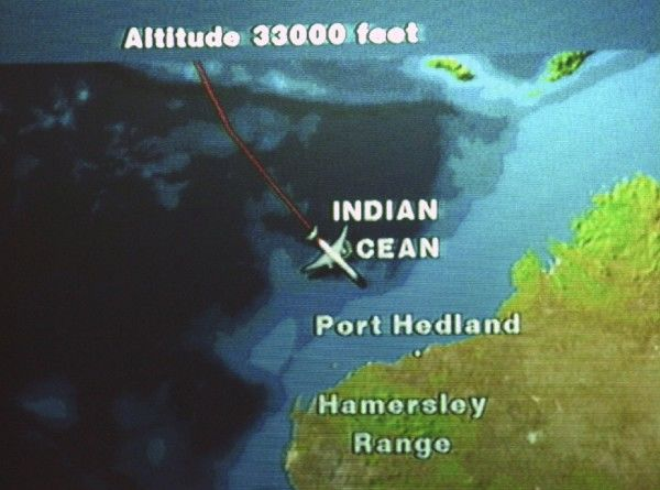 In-flite Map. Approaching the Australian Coast from SIN in 777-300