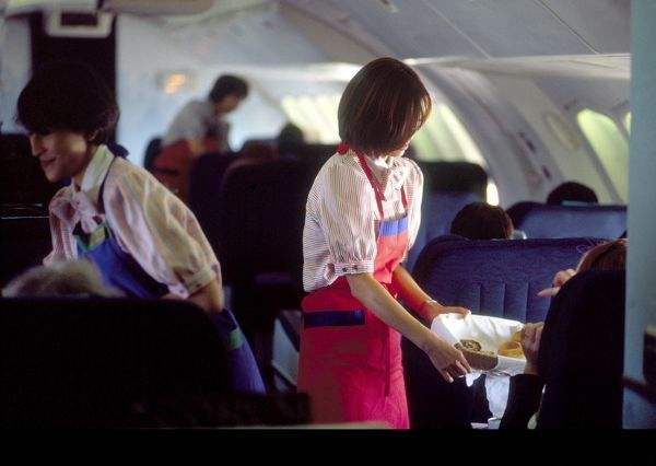 serving food on cathay 747/4 edm