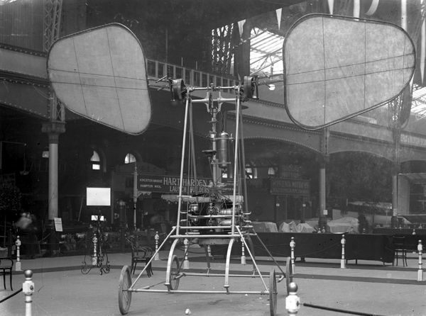 The de la Hault Orthopter displayed at the 1909 Olympia Aero Show (published 27th March 1909)
