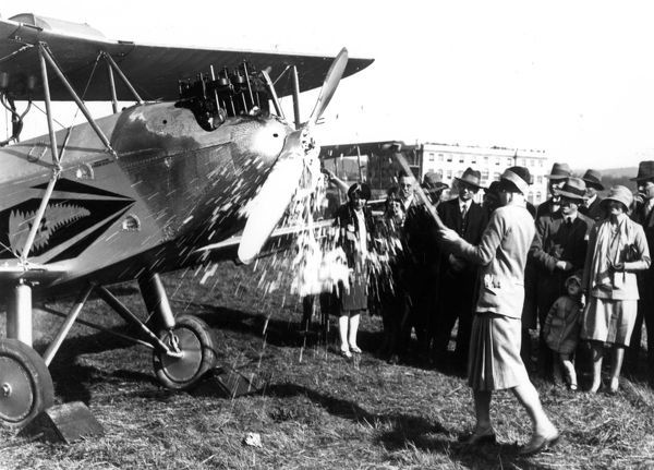 At Croydon Aerodrome on 19th April 1929
