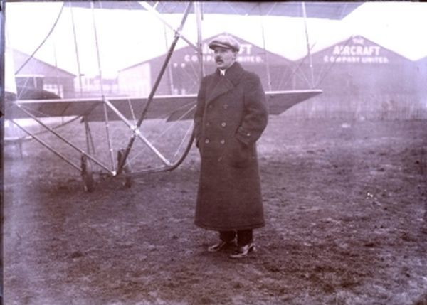 Maurice Alain Farman (March 21, 1877 - February 25, 1964) was a French Grand Prix motor racing champion, an aviator, and an aircraft manufacturer and designer. Born in Paris to English parents, he and his brothers Richard and Henri Farman were import