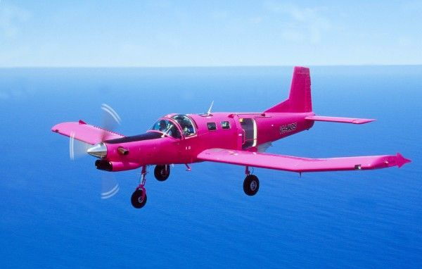 PAC Cresco. pink cresco 750 hp PAC NZ used for parachuting in oz Peter Clark