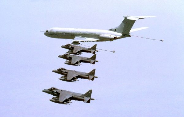 Refuelling air-air. Foster harrier gr7 and vc10 10 sq