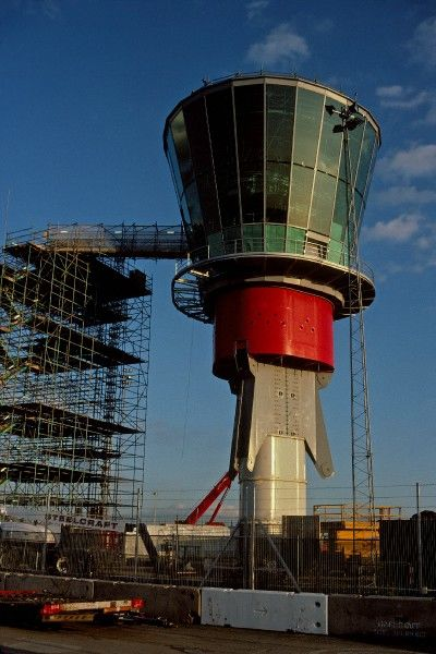 SPA new LHR control tower 12/10/04 p 16