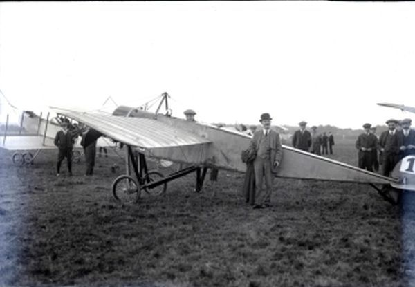 ustav Hamel (June 25, 1889 - May 23, 1914) was a pioneer aviator. Hamel was prominent in the early history of aviation in Britain, and in particular that of Hendon airfield, where Claude Graham-White was energetically developing and promoting flying.
