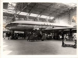 De Havilland Comet in the factory process